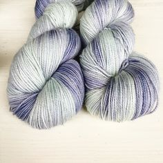 I loved these when I dyed them. I only did one batch as I was trying out a new technique. They sold out instantly this morning so I think I'll try to recreate them next week. Do you have a favourite vase you'd like to see in this colour way ?  There's just a few beautiful skeins left in today's update. Thank you all so much for your fantastic support. Link in profile to see what's left.