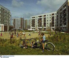 East Berlin housing estate. Ost-Berliner Plattenbausiedlung.