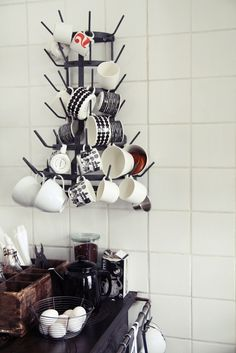 kitchen styling   kopphäng