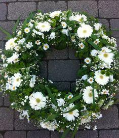 Flower dreams from Bausendorf Funeral Flower Arrangements, Funeral Flowers, Grave Decorations, Flower Decorations, Flower Canvas, Flower Quotes, Arte Floral, Blossom Flower, Vintage Flowers