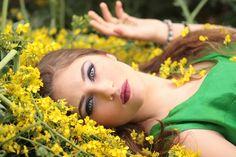 Meisje, Bloemen, Geel, Schoonheid, Natuur