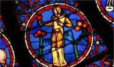 vierge (rosace de Notre Dame de Paris)