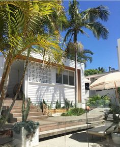 260 Likes, 6 Comments - Bask & Stow Surf Shack, Beach Shack, Coastal Gardens, Coastal Homes, Weatherboard House, Queenslander, Surf House, Beach House, Byron Bay Beach