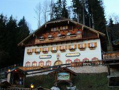 St. Wolfgang Advent Calendar #austria #christmas #advent http://www.tourabsurd.com/austrian-christmas-markets/