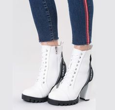 Botine albe cu siret High Tops, High Top Sneakers, Wedges, Shoes, Fashion, Moda, Shoe, Shoes Outlet, Fashion Styles