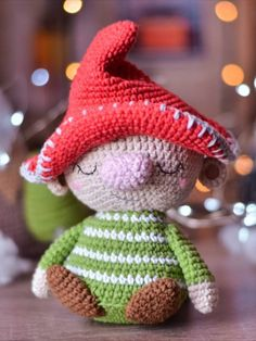 FREE crochet gnome pattern - - Learn how to crochet this cute gnome using a FREE amigurumi pattern with step-by-step tutorial. The pattern is easy to intermediate crochet crafters. Amigurumi Doll Pattern, Crochet Dolls Free Patterns, Crochet Doll Pattern, Doll Patterns, Amigurumi Minta, Crochet Fairy, Cute Crochet, Crochet Toys, Little Doll