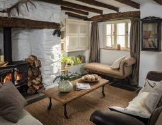 """Home Interior Design — """"Charming English cottage offers a fairytale. Cottage Living Rooms, Cottage Homes, Living Spaces, Cozy Living, English Cottage Interiors, English Cottage Style, English Cottages, English Cottage Decorating, Small Cottage Interiors"""