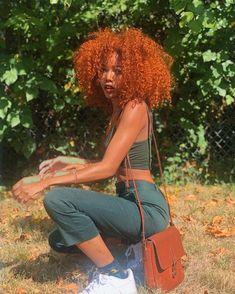 𝒜𝓂𝒾𝓃𝒶'𝓈 𝐼𝒟𝐸𝒜𝒮🦋🔥 Para as cacheadas at the crespas, dormir sem desmanchar the cachos parece Dyed Natural Hair, Dyed Hair, Curly Hair Dye, Curly Ginger Hair, Ginger Hair Color, 4c Hair, Updo Hairstyle, Baddie Hairstyles, Black Girls Hairstyles