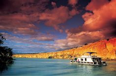 House boating on the River Murray, South Australia