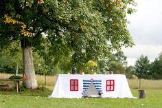 Table play house, playhouse, tablecloth play house, play tent, outdoor playhouse, indoor playhouse, birthday accessory, tablecloth house
