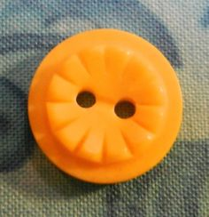 """Vintage Plastic Colt Button Yellow #3 Small 1/2"""""""