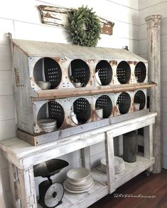 13 Ways Chicken Nesting Boxes Can Make A Farmhouse Fabulous - Chicken Nesting Boxes The Farmhouse 31 - Décor Antique, Antique Farmhouse, Country Farmhouse Decor, Rustic Decor, Farmhouse Style, Modern Farmhouse, Cottage Farmhouse, Primitive Decor, Chicken Nesting Boxes