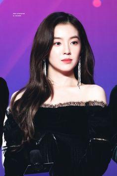 The beautiful Bae Seulgi, Pretty Asian, Beautiful Asian Girls, Kpop Girl Groups, Kpop Girls, Mode Ulzzang, Rapper, Velvet Hair, Red Velvet Irene