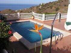 Huur een villa in Torrox, Costa del Sol - Malaga dichtbij de golfbaan met 3 slaapkamers. Voor een complete vakantie - HomeAway