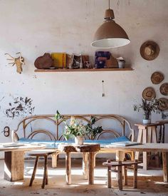 Paz Interior, Interior Design, Indoor Outdoor Living, Elle Decor, Dining Table, Simple, Furniture, Natural, Little Things