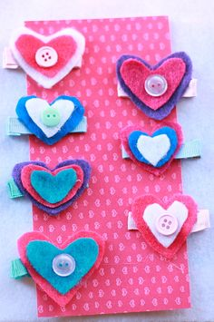 DIY Valentine's Day felt hairclips, so cute!  From Sellabit Mum, who says she's not crafty.  We disagree!