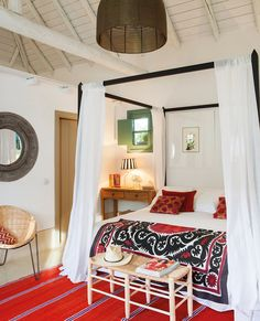 A colorful summer house recaptures the essence of an Andalusian Farmhouse by designer Amparo Garrido, located in Carmona, in the province of Seville, Spain. Spanish House, Mediterranean Homes, Interior Design Inspiration, Design Interior, Beautiful Bedrooms, Rustic Chic, Architecture Design, Sweet Home, Decoration