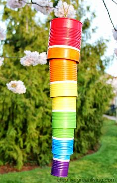 How to Make a Rainbow Wind Chime from Recycled Cans - Creative Green Living Looking for the perfect way to use up old cans? Try this recycled rainbow wind chime - it's perfect for making with kids for St. Tin Can Crafts, St Patrick's Day Crafts, Crafts For Kids, Upcycled Crafts, Diy Crafts, Handmade Crafts, Handmade Rugs, Repurposed, Recycling