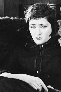 Gloria Swanson in Manhandled, 1924