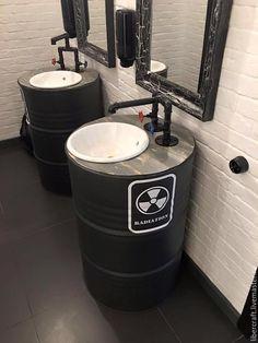 #reciclagem de  #tonéis e tambores  fazem a #decoração de  um banheiro. Trabalho cheio de estilo e super econômico.