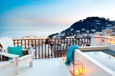 Peut-on rêver une terrasse avec meilleure vue? Capri, Grèce