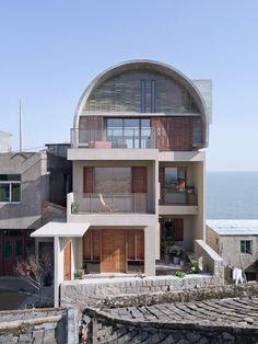 20년된 주택의 놀라운 변신! 아치형 지붕으로 시선을 사로잡는 독특한 디자인의 주택 : 네이버 포스트