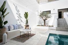 Échale un vistazo a este increíble alojamiento de Airbnb: DESTINO SITGES  -  CASA ESMERALDA - Apartamentos en alquiler en Sitges