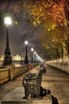 River Thames, London.-