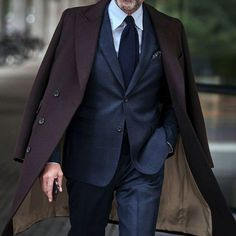 The Gentleman's Guide: Master Winter Layering With These 6 Items Modern Mens Fashion, Mens Fashion Suits, Classy Fashion, Fashion Outfits, Style Fashion, Vintage Fashion, Fashion Trends, Mens Casual Suits, Mens Suits
