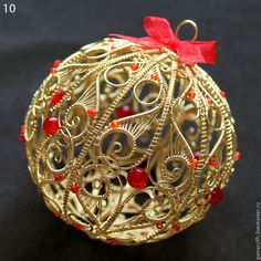 Wire Sculpted Bauble