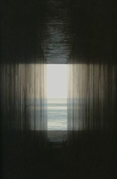 photo by Hiroshi Sugimoto - great inspiration for a all-ink painting Hiroshi Sugimoto, Licht Box, Foto Real, Foto Art, Light And Shadow, Oeuvre D'art, Fine Art Photography, Artistic Photography, Images