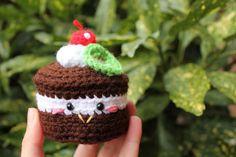 FREE Mini Cake Amigurumi Crochet Pattern and Tutorial by Amigurumi Food