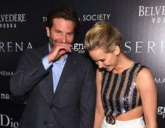 Pin for Later: Jennifer Lawrence bringt Bradley Cooper nach seiner Trennung zum Lachen