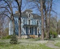 OldHouses.com - 1875 Italianate - Stately Victorian Mansion in Morris, Illinois