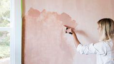 Do you know what limewash is? It's a painting technique that adds depth and dimension to a room. If that sounds good to you, you can add it to your home easily. Don't let your Real Estate Experience be scary, Buy and Sell with Sari! Gold Painted Walls, Gold Walls, Rose Gold Wall Paint, Painting Textured Walls, Texture Painting, Faux Painting Techniques, Paint Techniques Wall, Faux Walls, Paint Effects