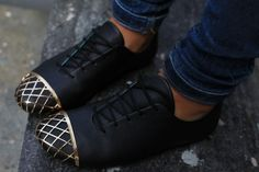 what-do-i-wear: (image: connectedtofashion) Crazy Shoes, Me Too Shoes, Black Flats, All Black Sneakers, Sock Shoes, Shoe Boots, Future Clothes, Shoe Collection, Fashion Shoes