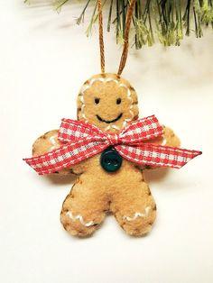 Felt Gingerbread Man ornament  Gingerbread by BeckyLynnCreations