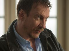 David Thewlis as Nick Davies. The Fifth Estate, Mark Green, Desenhos Harry Potter, Gary Oldman, Remus Lupin, Top Celebrities, Love To Meet, Daddy Issues, Harry Potter Characters