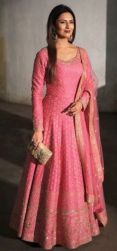 Divyanka Tripathi in Kalki candy pink anarkali suit adorn in delicate zari embroidery all over Silk Anarkali Suits, Anarkali Gown, Saree Dress, Bridal Anarkali Suits, Banarasi Lehenga, Patiala, Mode Bollywood, Bollywood Fashion, Indian Attire