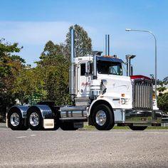 #bondwoodstransport #kenworth #truck #photo #daycab #truckshot Semi Trucks, Big Trucks, Old Bangers, Road Train, Kenworth Trucks, Rigs, Transportation, Photography, Instagram