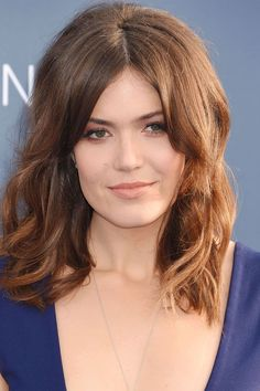 The best new ways to wear bangs. Add instant sophistication to your style: Mandy Moore. Great Hairstyles, Hairstyles With Bangs, French Fringe, Mandy Moore Hair, Celebrity Bangs, What Makes You Beautiful, How To Style Bangs, Haircut For Thick Hair, Beautiful Celebrities