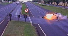 NONATO NOTÍCIAS: flagra acidente fatal em que moto explode ao ating...