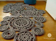 Handmade crochet rug carpet  model WIEN