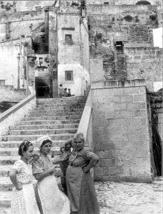 by Federico Patellani, Matera, 1953