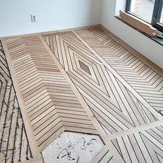 From David Nilsson. How about this amazing floor design? – Sergio Sacchetti From David Nilsson. How about this amazing floor design? From David Nilsson. How about this amazing floor design? Planchers En Chevrons, Wood Floor Design, Diy Wood Floors, Hardwood Floor, Pallet Floors, Wood Stain, Wooden Flooring, Best Flooring, Diy Flooring