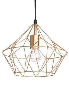 Ellos Home Taklampe Diamond Taklampe i form av en diamant, designet i kraftige lakkede metallstenger. Tekstilledning 90 cm. Høyde 26 cm. Ø 30 cm. Stor sokkel E27. Maks 60W. Takkontakt.<br><br>OBS! Noen tak/vinduslamper leveres med EU-støpsel som ikke kan benyttes i Norge. Dette må klippes av - for utbytting til støpsel av norsk standard (må utføres av autorisert elektriker). Alle våre lamper er CE-godkjente. <br><br>