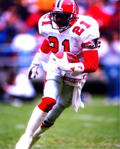 Deion Sanders was a cornerback selected no. 5 overall in the 1989 NFL Draft  by the Atlanta Falcons. Deion was extremely fast  at the combine he ran an  ... 22d9da6f2