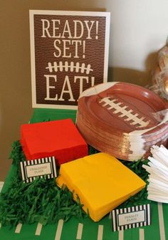 to eat at a football birthday party! See more party planning ideas at !Ready to eat at a football birthday party! See more party planning ideas at ! Sports Theme Birthday, Football Birthday, First Birthday Parties, Birthday Party Themes, Birthday Games, Birthday Ideas, 1st Birthdays, Football Themed Parties, Birthday Table