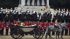 Quelque 1500 soldats en uniforme d'apparat et 300 chevaux ont défilé pour cette cérémonie.
