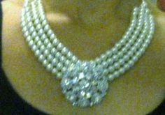 Audrey Hepburn Necklace From Breakfast at Tiffany's: I will show you how to make an Audrey Hepburn neclace from Breakfast at Tiffany's Tiffany Necklace, Tiffany Jewelry, Diy Necklace, Pearl Necklace, Necklaces, Black And White Theme, Blue And Silver, Audrey Hepburn Costume, Audrey Hepburn Breakfast At Tiffanys